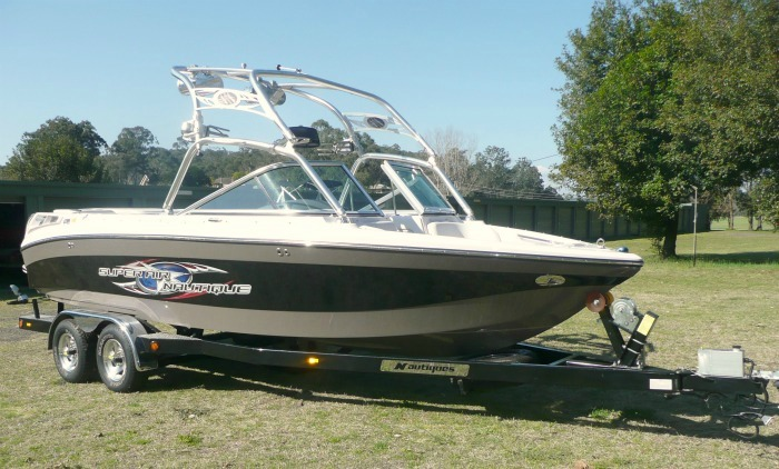 65990 SoldNAUTIQUE SUPER AIR 220 TEAM 2007