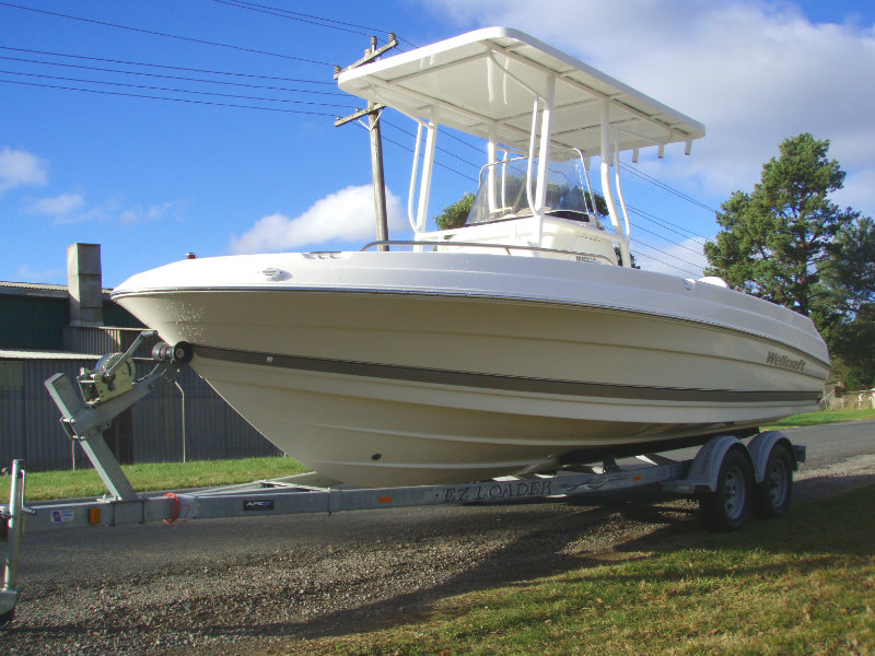 2005 Wellcraft 212 Fisherman 2051